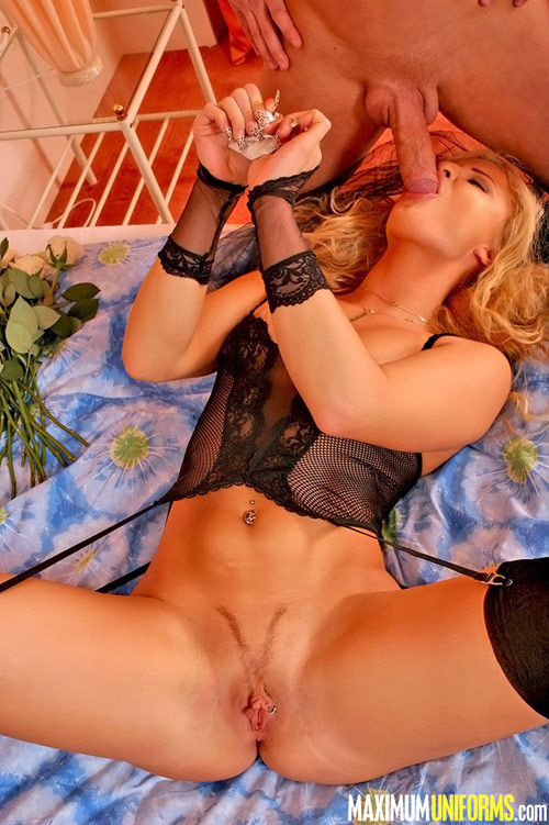 Mouthful naked bride in black lingerie