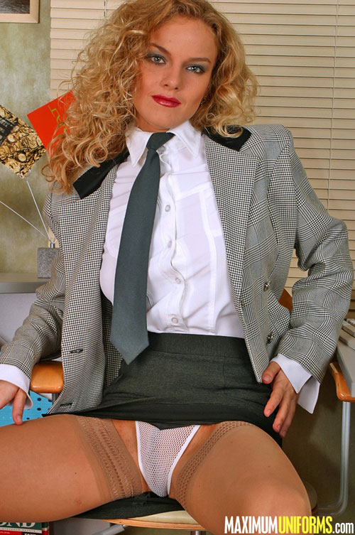 Hot secretary Vita airs her white panties